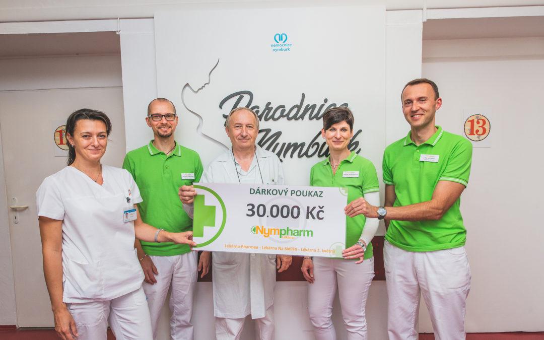 Peníze vybrané v rámci věrnostního programu Lékáren Nympharm  posloužily k nákupu digitálních vah pro nymburskou porodnici